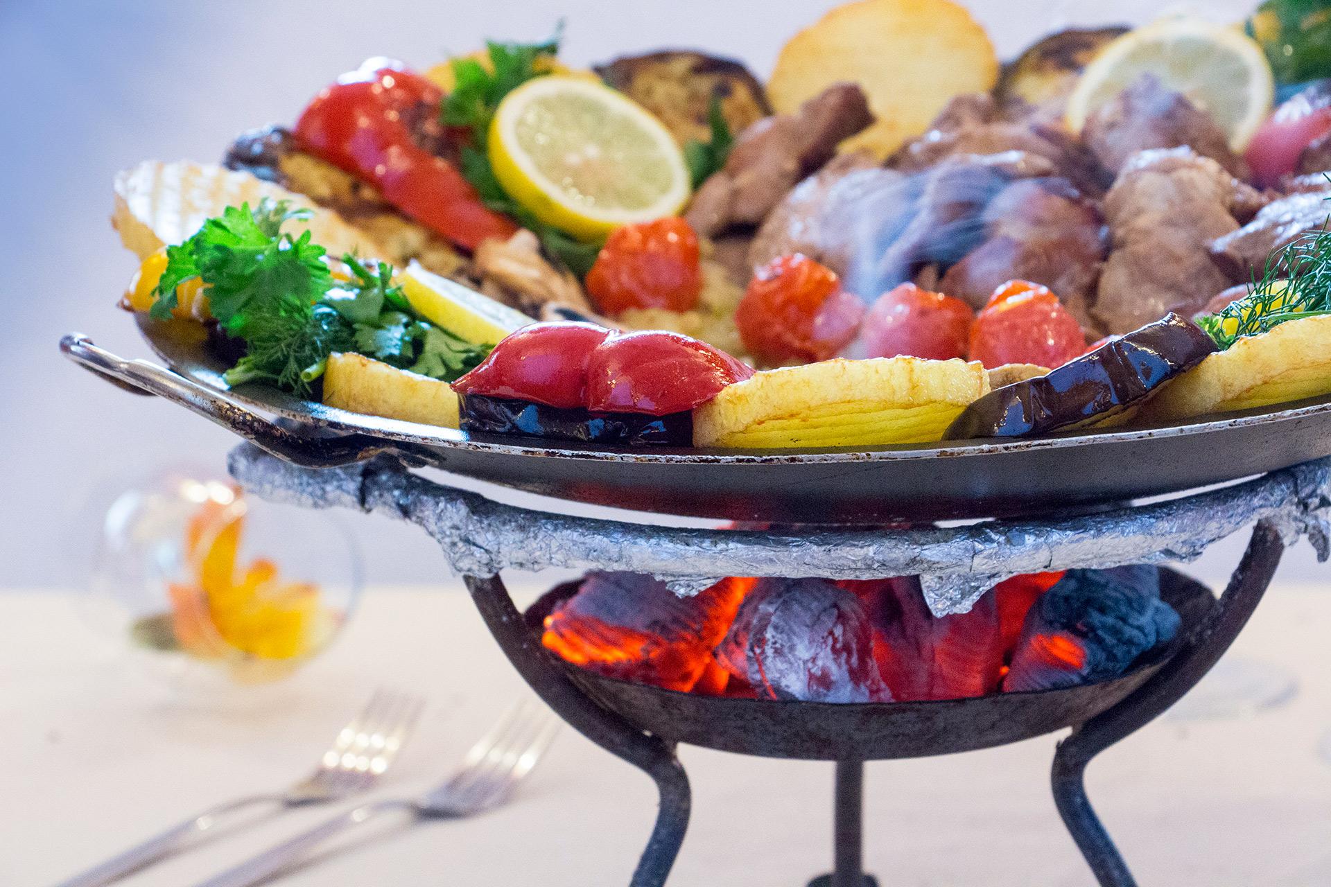 Restauant Frymburk - kaukasische Küche | Hotel LEYLA Frymburk ...